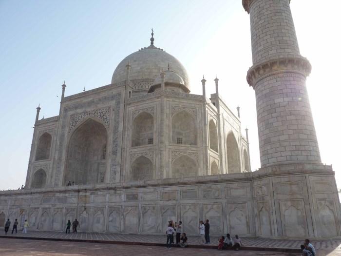 Taj and sunrays