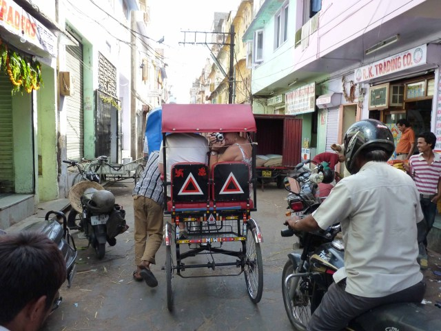 A Rickshaw ride is a must in Jaiphur.