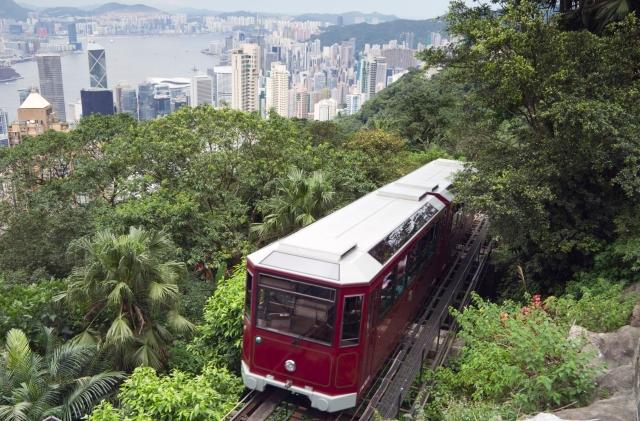 45a8ebb9f4729ba512d2a6b3a2afdb7d-peak-tram