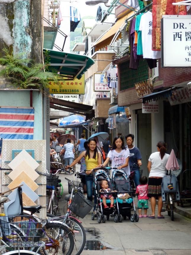 Narrow alleyways of Cheung Chau.