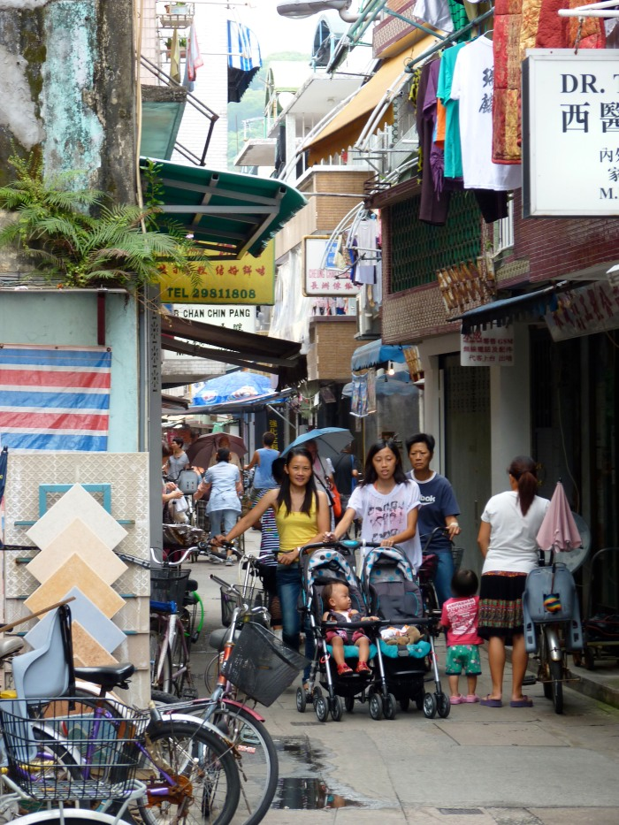 Narrow alleyways of Cheung Chau.