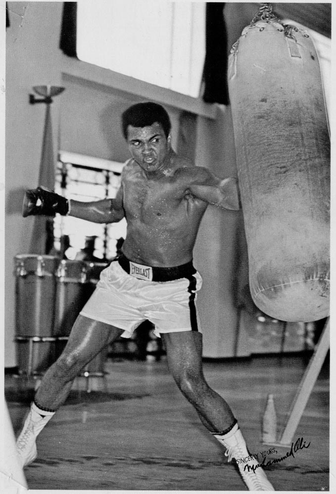 Muhammad-Ali-punching-bag-03