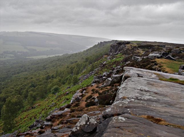 The view back north along Froggatt Edge.