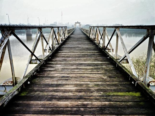 Walking across The Hien Luong Bridge into North Vietnam