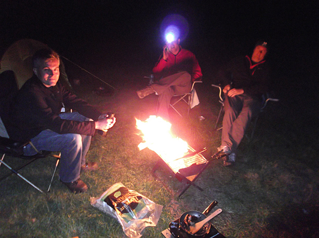 Camp fire and burgers at the riverside camp...bliss!