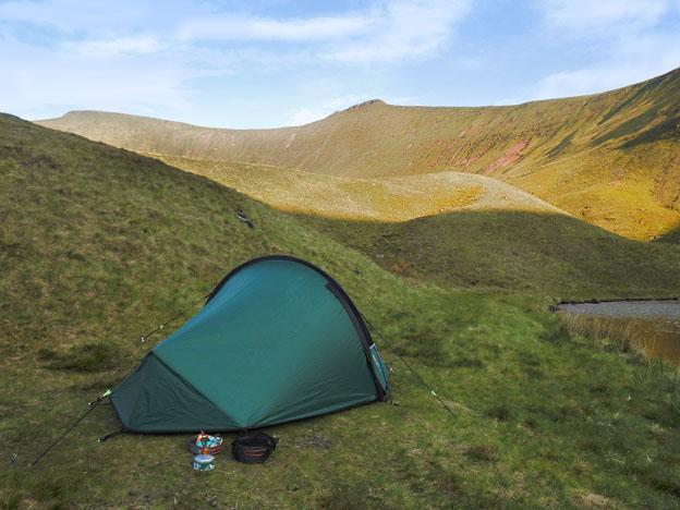 Wild Camp spot beside Llyn Cwm Llwch