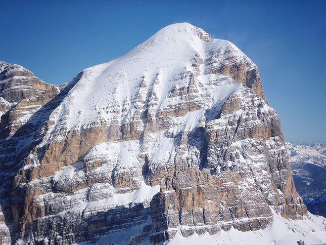 Spectacular mountains for 360 degrees from the summit of Lagazuoi